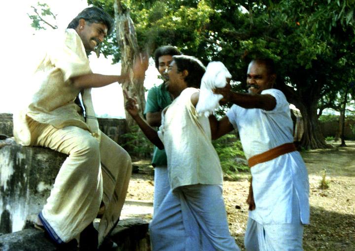 Puthu Nellu Puthu Nathu (Tamil)