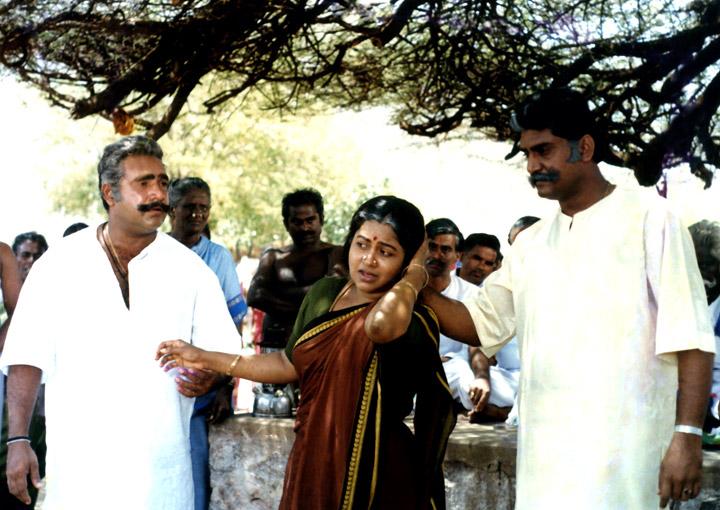 Kizhaku Chimayile (Tamil)