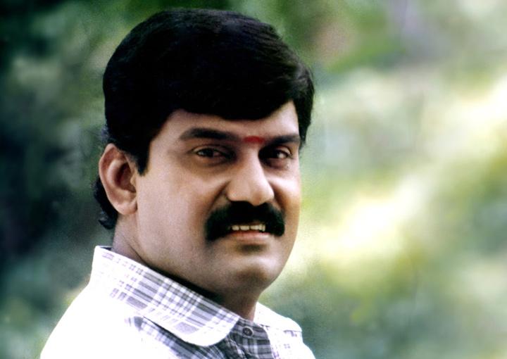 Kilakkum Merkkum (Tamil)