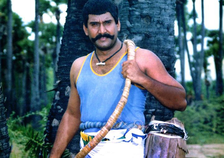 Karisakattu Poove (Tamil)